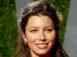 "Jessica Biel Strips Down for ""Powder Blue"""