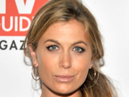 """Lost"" Star Sonya Walger Talks Summer Wedding"