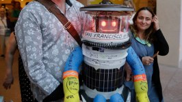 Creators of Destroyed Hitchhiking Robot Mull a Rebuild
