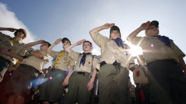 Boy Scouts' Bid to Admit Girls Pits Them Against Girl Scouts