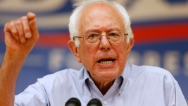 Sanders Attracts 10,000 Supporters in Madison