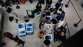 No. of No-Show Airport Security Screeners Soars in Shutdown