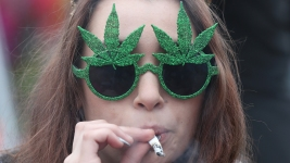 A Growing Number of Expecting Mothers Are Using Cannabis