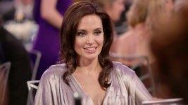 Jolie Slams World Powers Over Refugee Crisis