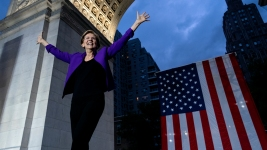 At Rally, Warren Decries Trump as 'Corruption in the Flesh'