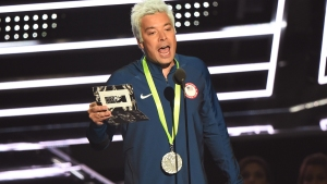 VMAs: Fallon's Lochte Impersonation Has Phelps in Stitches