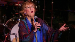 Marni Nixon, Voice of Classic Movie Songs, Dies at 86