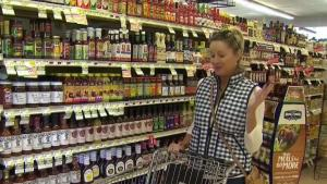 Grocery Stores Hustle to Serve Last-Minute Shoppers