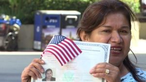 Mother of 3, Who Cannot Read or Write, Earns US Citizenship