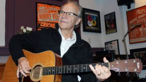1960s Pop Singer Bobby Vee Dead at Age 73