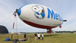 Snoopy, Peanuts Gang, Cut Loose By MetLife
