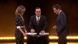 'Tonight': Rose Byrne Takes on Eye-to-Eye Jenga Challenge