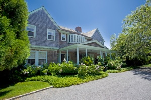 Famed East Hampton Mansion, Grey Gardens, For Sale at $19.99