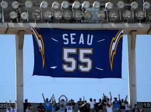 Chargers Plan HOF Tribute to Seau at Home Opener