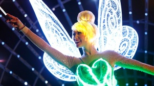Paint the Night: New Disneyland Parade Debuts