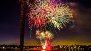 """Newport Dunes Fetes a """"Groovy"""" Fourth of July"""