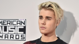 Houston Man Sues Justin Bieber, Says Star Smashed His Phone