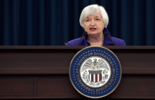 Fed Voices Concern About Global Economic Pressures