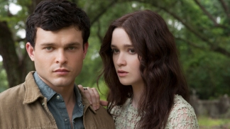 "Stars of ""Beautiful Creatures"" Talk CGI, Valentine's Day and Spielberg"