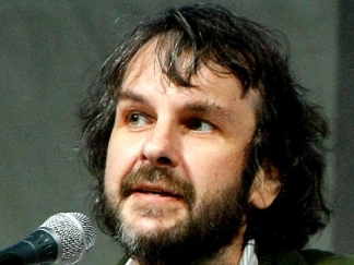 "Peter Jackson Talks About ""District 9"" & ""The Hobbit"""