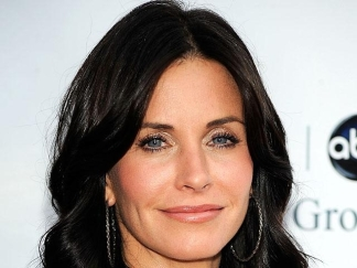 "Courteney Cox Is The New ""Cougar"" In Town"