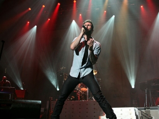 Screen Grabs: Maroon 5 at Viejas Arena