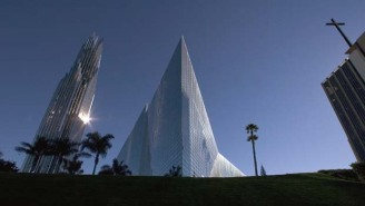 Chapman University Bids on Crystal Cathedral