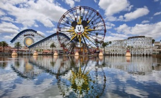 Disneyland Resort Holds Online and In-Person Hiring Fairs