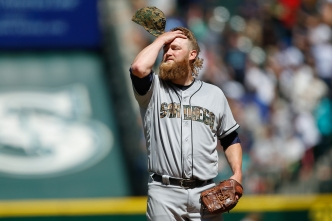 Mariners Hammer Padres in Seattle