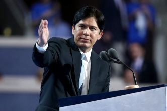 Kevin de Leon Announces Challenge to Sen. Feinstein