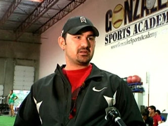 Adrian Gonzalez Signs With NY Mets