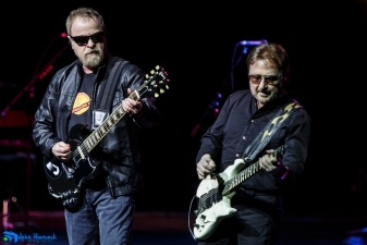Blue Oyster Cult: Instant Dharma