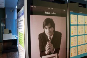 Smithsonian Launches Exhibit of Steve Jobs' Patents