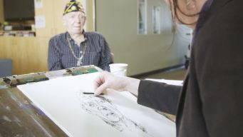 Drawn to Serve: WWII Vets Pose for Portraits