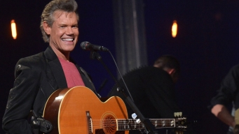 Attorney: Randy Travis Gives Alcohol the Boot