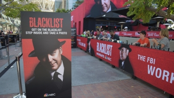 """Blacklist"" Fans Get Black Fedoras at Comic-Con"