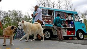 Canine Food Truck: Chicken Feet, Pumpkin Pretzels and 'Pupcakes'