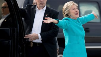 Clinton, in Florida, Makes Pitch to Republicans