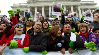 Fate of Young Immigrants Divides Dems on Last-Minute Budget