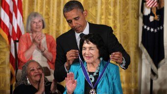 Dolores Huerta Receives Medal of Freedom