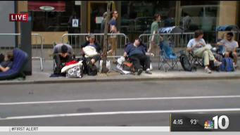 Fans Camp Out in Hopes of Snatching 'SNL' Finale Ticket