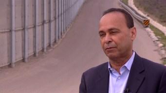 Ill. Rep. Visits San Diego Border as DACA Deadline Nears