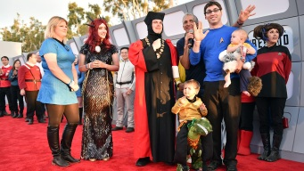 Zealous Fans Kick Off Comic-Con