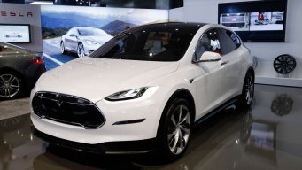 Consumer Reports Questions Quality of Tesla's Model X SUV