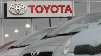 Toyota Stocks Dip After Trump Tweet on Planned Mexico Plant