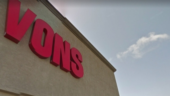 Shoplifting Suspect Stabs Vons Security Guards
