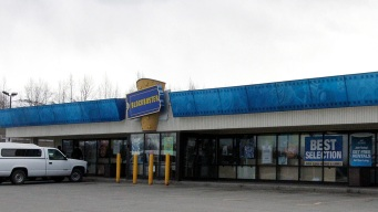 Blockbusters in Alaska Set to Close; 1 Store Left in US