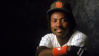 Gwynn Statue Reminds Us of Greatness