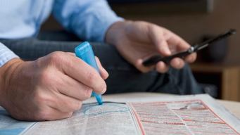 US Employers Added Robust 304K Jobs; Joblessness Ticks Up