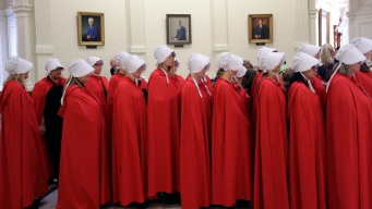 Women Keep Dressing Like 'Handmaids' at Statehouses
